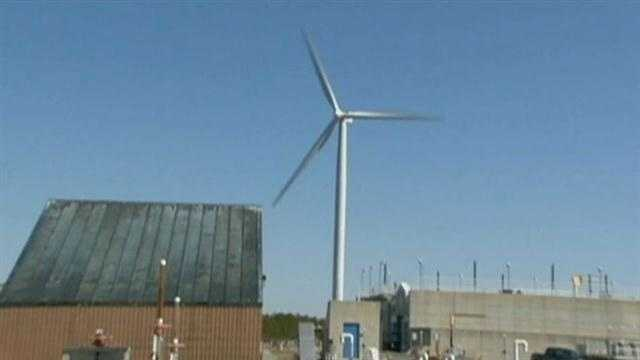 Cape Cod town to vote on taking down wind turbines