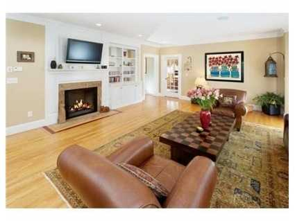 It features a gas fireplace.