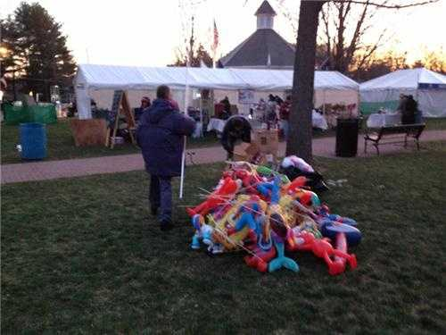 Vendors setting up on the Green