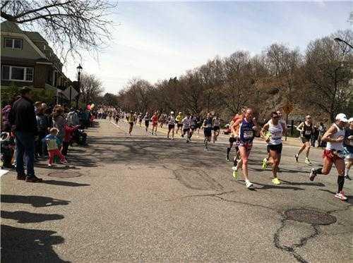 Runners go through Wellesley