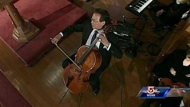 Cellist Yo-yo Ma plays Bach.