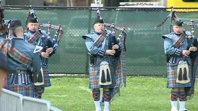 Bagpipes played as the casket was brought in to the service.