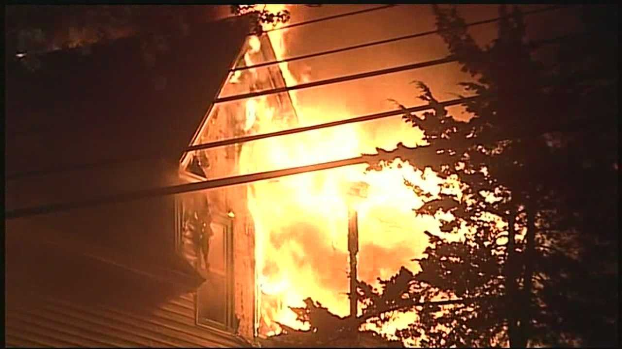7 displaced in Manchester fire