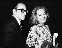 Walters dated future U.S. Federal Reserve Chairman, Alan Greenspan, in the 1970s.