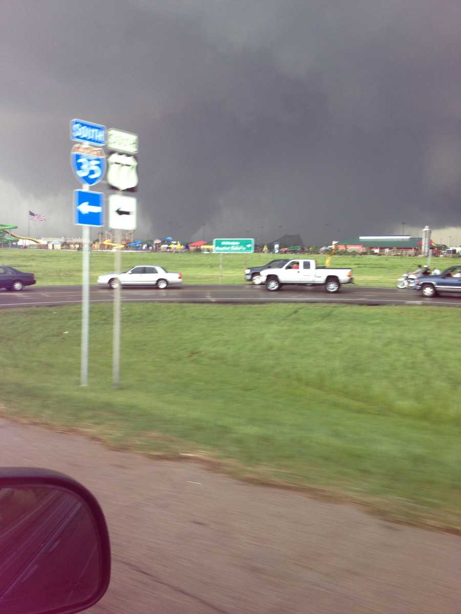 Moore tornado from I-35 south.