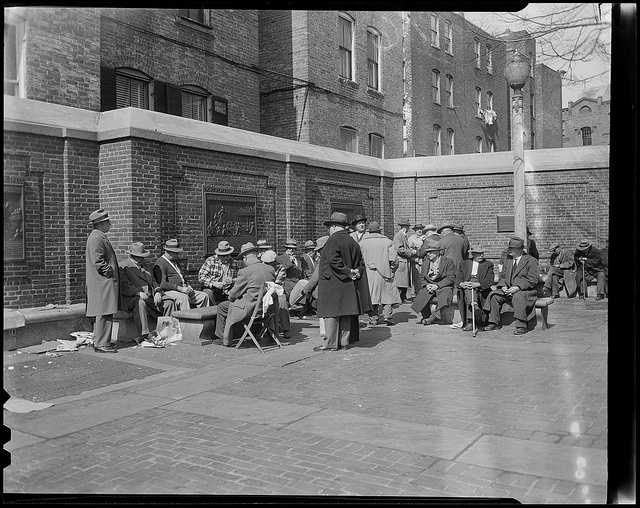 "1954: Bench sitters in the North End's ""Prado"""