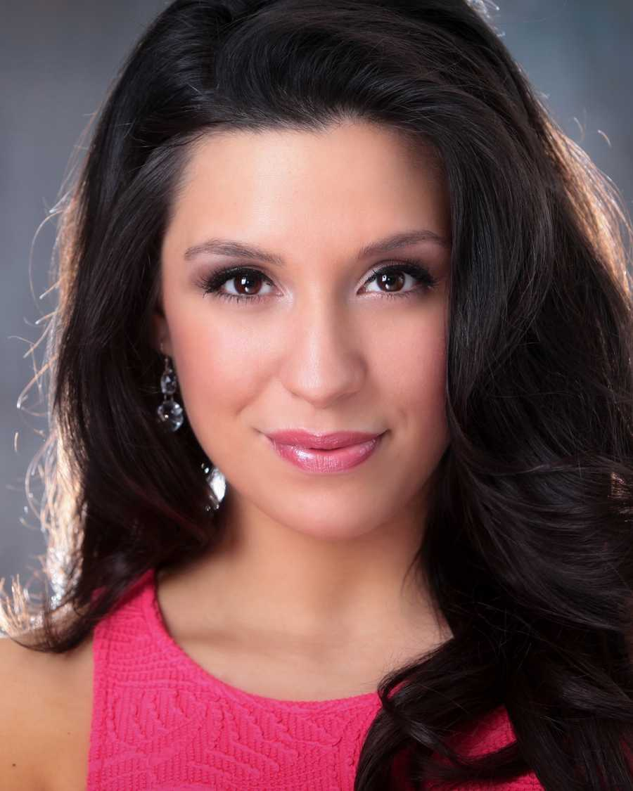 Amanda Narciso is Miss Cranberry Country 2013.  Amanda is a 22-year old graduate of Salve Regina University in Newport, RI with a degree in Psychology and minor in Dance.  She was selected as Miss Massachusetts, 2013.
