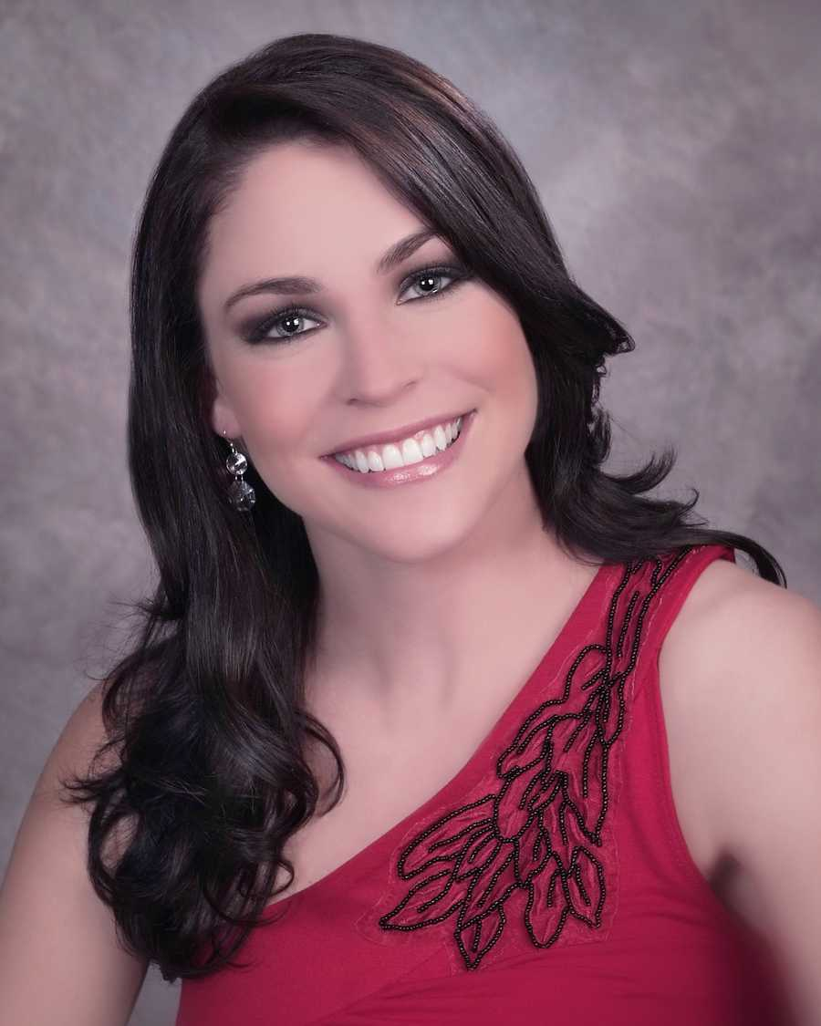 Janelle Guenette is Miss New Bedford 2013.  A 2012 graduate of Bridgewater State University, Janelle received her Bachelor's Degree in Communications.