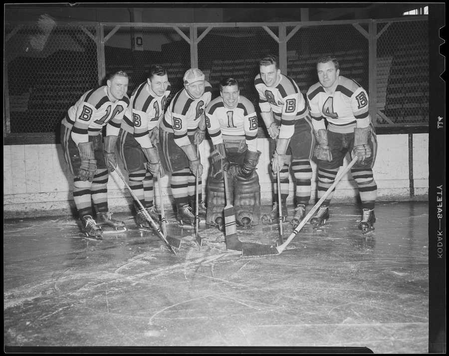 In 1939, the team changed its uniform colors from brown and yellow to the current black and gold.