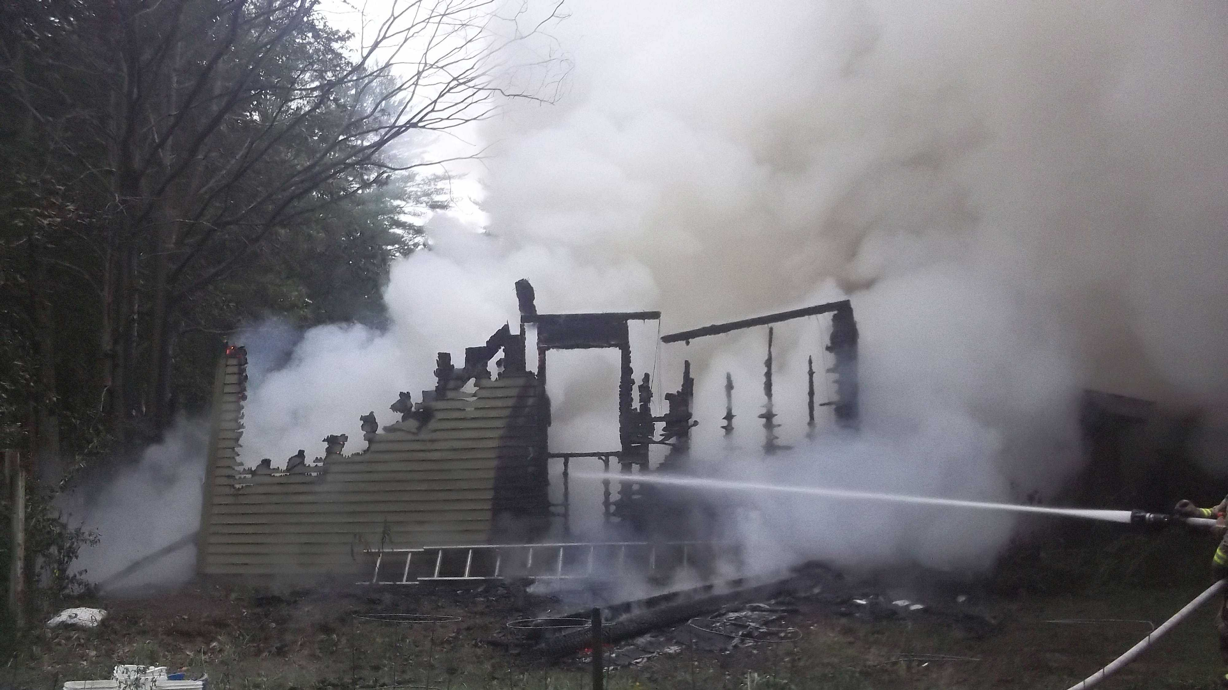 img-Lee possible arson