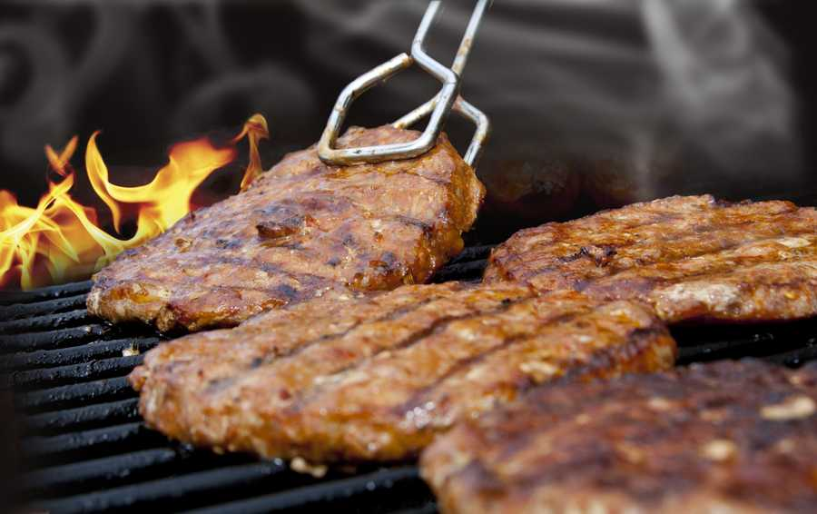 From the experts at Dana-Farber, tips on minimizing cancer risks from barbequed food.