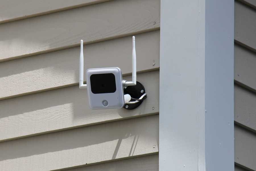 A camera placed outside the home provides a video feed of who is standing outside.