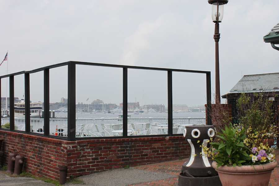The building sits right along the waterfront, which gave customers a beautiful view to enjoy their meal