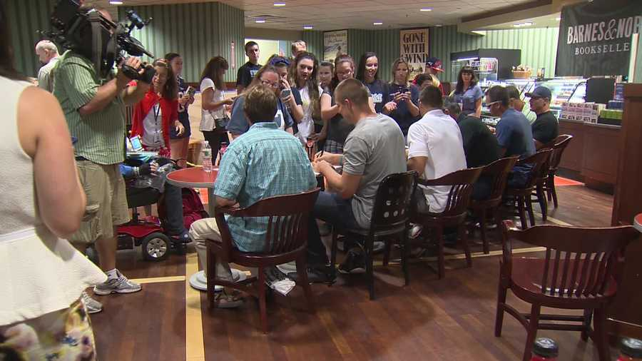 Hundreds of New England Patriots fans got a chance to meet New England Patriots tight end Rob Gronkowski and his brothers Thursday.