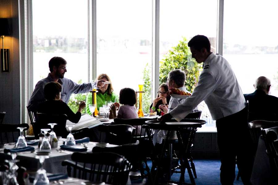 Anthony's Pier 4 was a family-friendly restaurant
