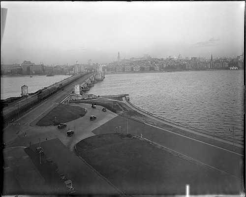 The Longfellow Bridge looking toward Boston in 1930