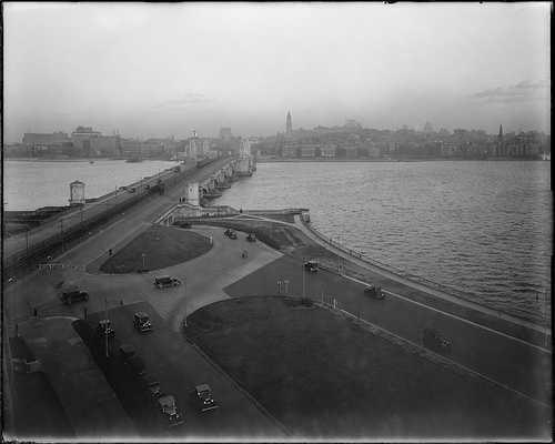The Longfellow Bridge in Cambridge in 1932