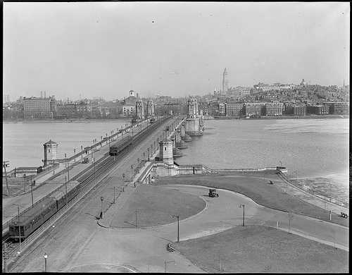 View of the Salt and Pepper Bridge from Cambridge, looking toward Boston in 1923
