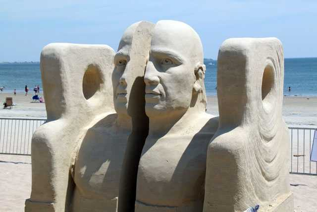 Probanza began to sand sculpt in 1988