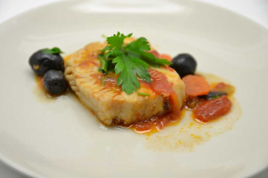 Lean proteins include fish.
