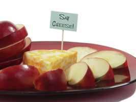 Lean proteins include low-fat cheese.