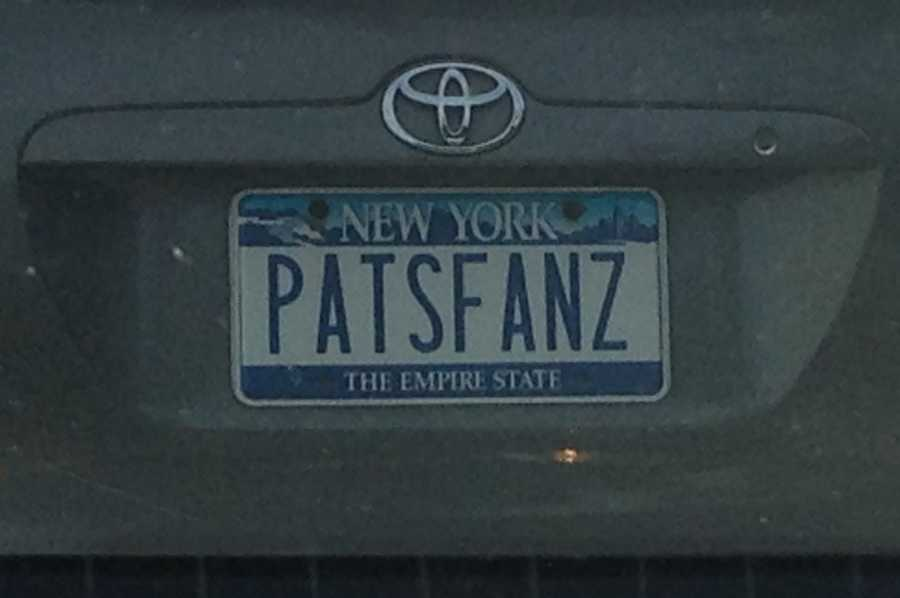 PATSFANZ - This plate might get you in trouble with some fans in New York State! Wonder if anyone in New England has a GIANTS or JETS plate?