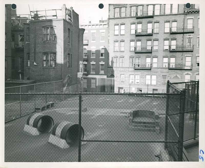 Play area between Poplar and Chambers Street in 1952