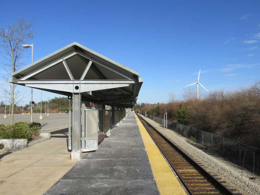 Kingston is right off of route 3 and has a stop on the MBTA Kingston/Plymouth commuter rail to Boston. The population of Kingston is 12,629, an increase of 7% since 2000.