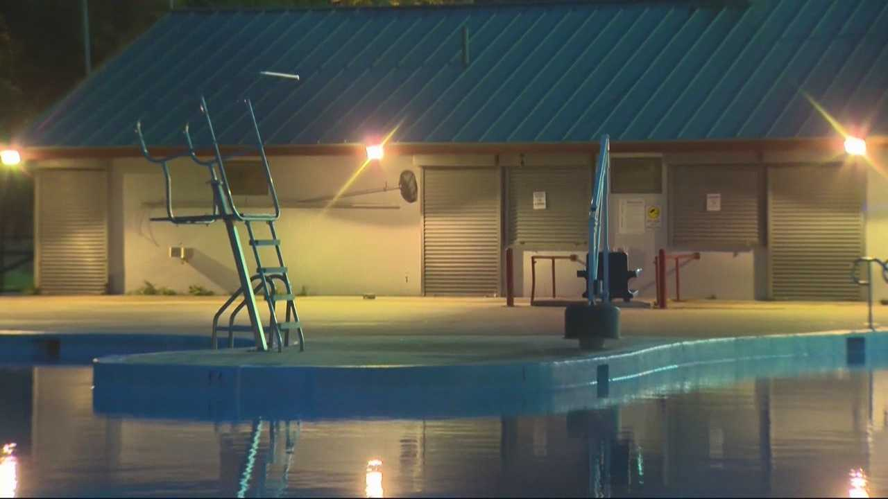 Extra security at Cambridge pool after man threatened to shoot lifeguards