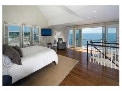 An expansive master suite!