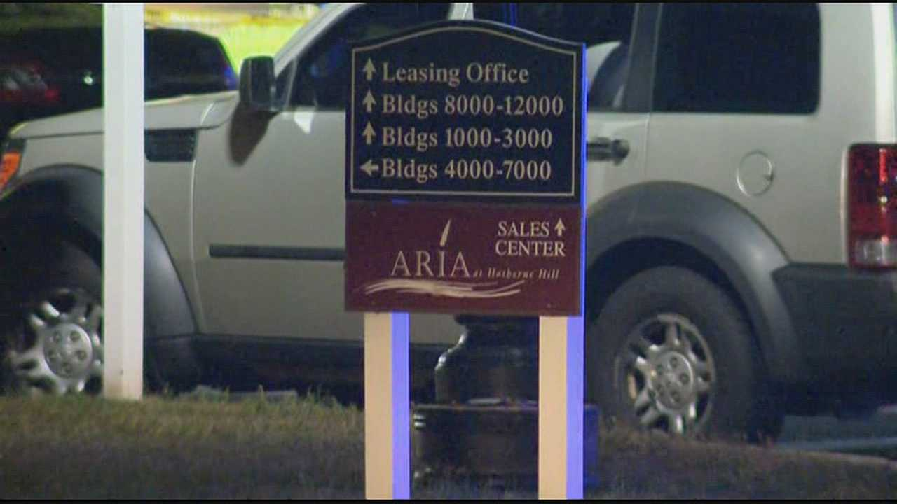 Police: Officers shoot robbery suspect at apartment complex