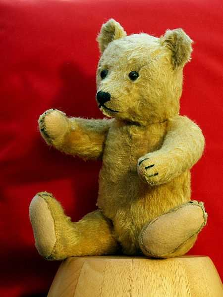 Many British police officers carry teddy bears to console children after car crashes.