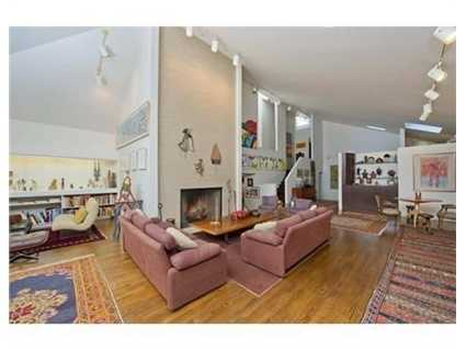 This true contemporary gem is located in theprestigiousand sought after Country Club area of Brookline.