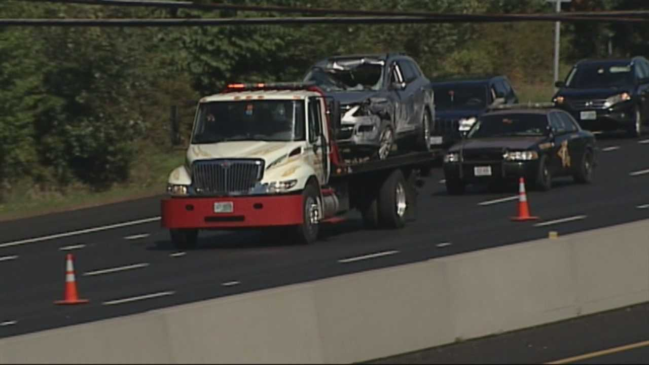 img-Driver killed by loose tire on Interstate 93