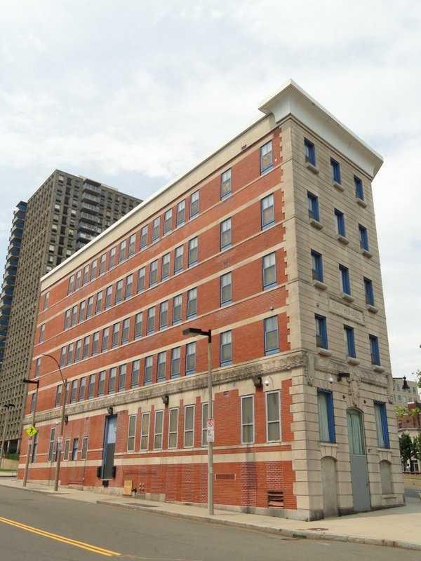 18)Massachusetts College of Art in Boston