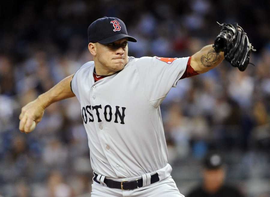 Peavy declined an offer to pitch for Auburn University in order to accept the Padres' contract offer.