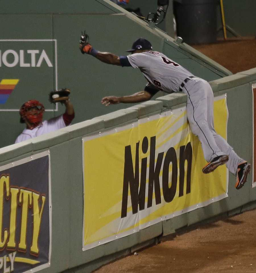 Ortiz hit a two-out shot that sent right fielder Torii Hunter jack-knifing into the Boston bullpen in a futile attempt to catch the ball.