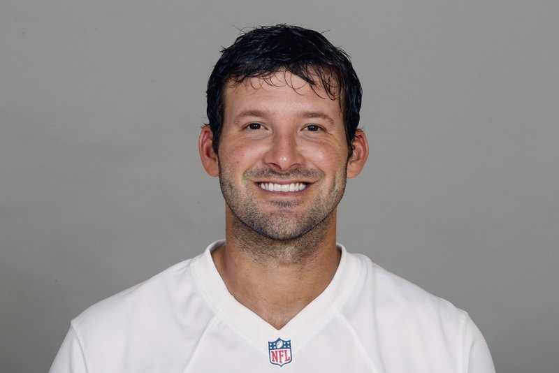 7) Tony Romo - The quarterback for the Dallas Cowboys is often underappreciated and perhaps underrated. 32% of fans said they didn't like him.