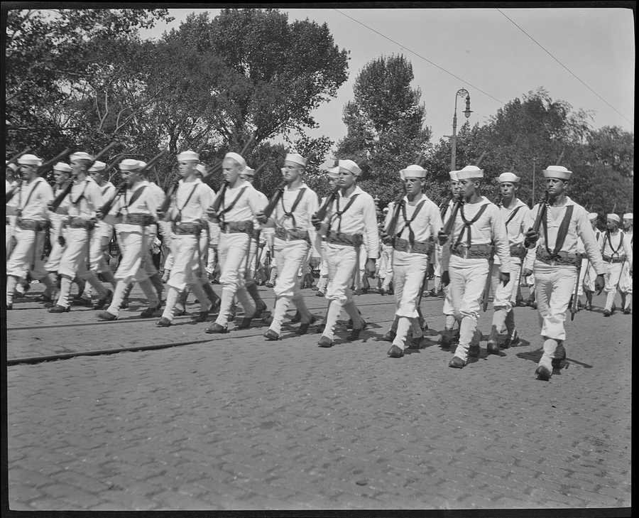 Sailors on parade in Boston in 1918