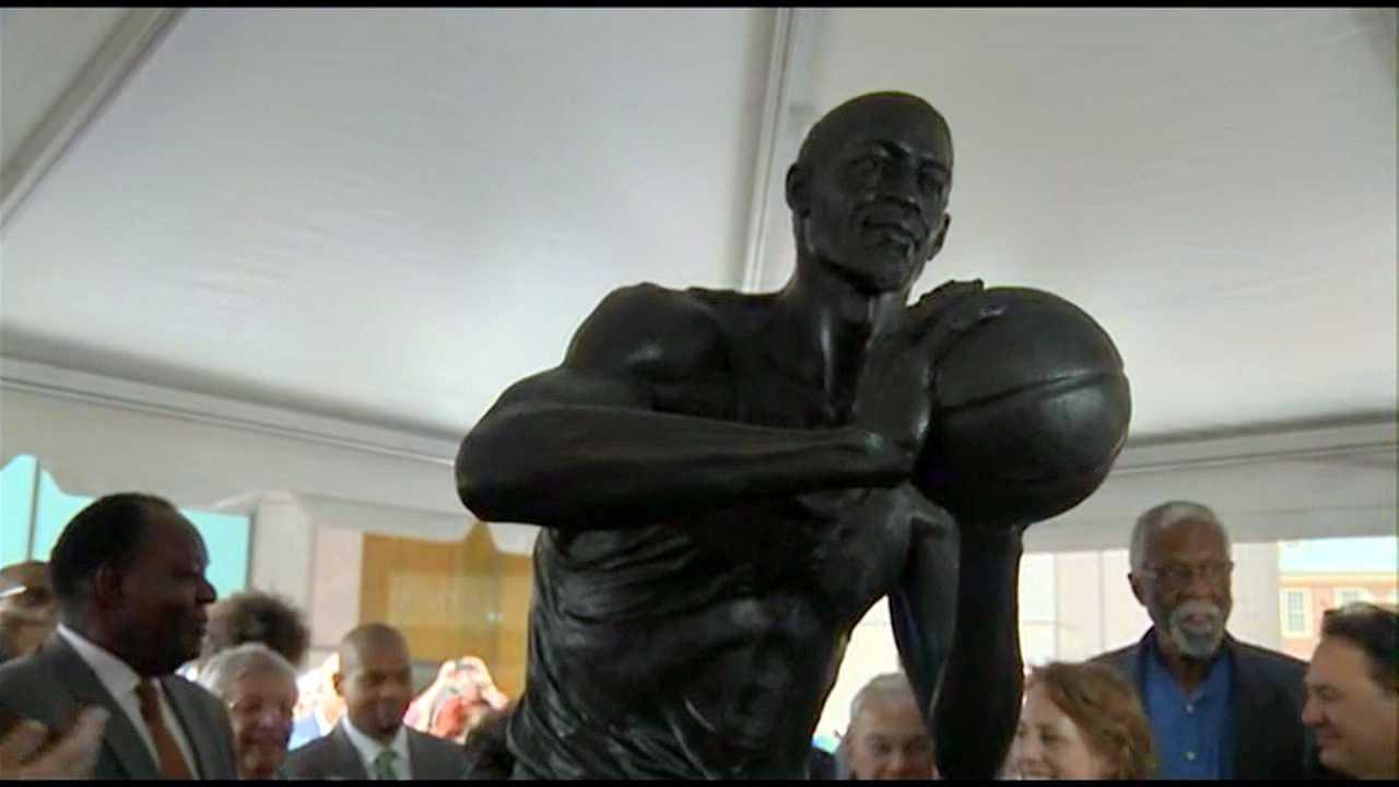 Bill Russell Statue 110113