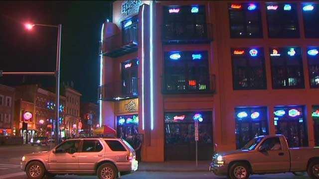 Honky Tonk Bar Nashville 111213