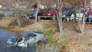 Plymouth pond crash 1118