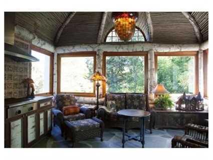"A ""Twin Farms"" inspired all-season sunroom."