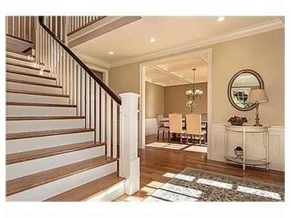 The home has 9-foot ceilings.