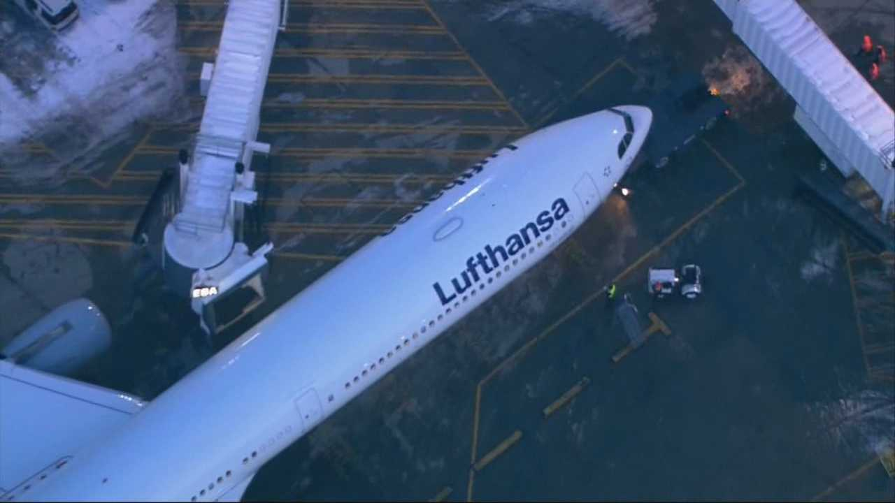 Feds investigating Lufthansa flight issues