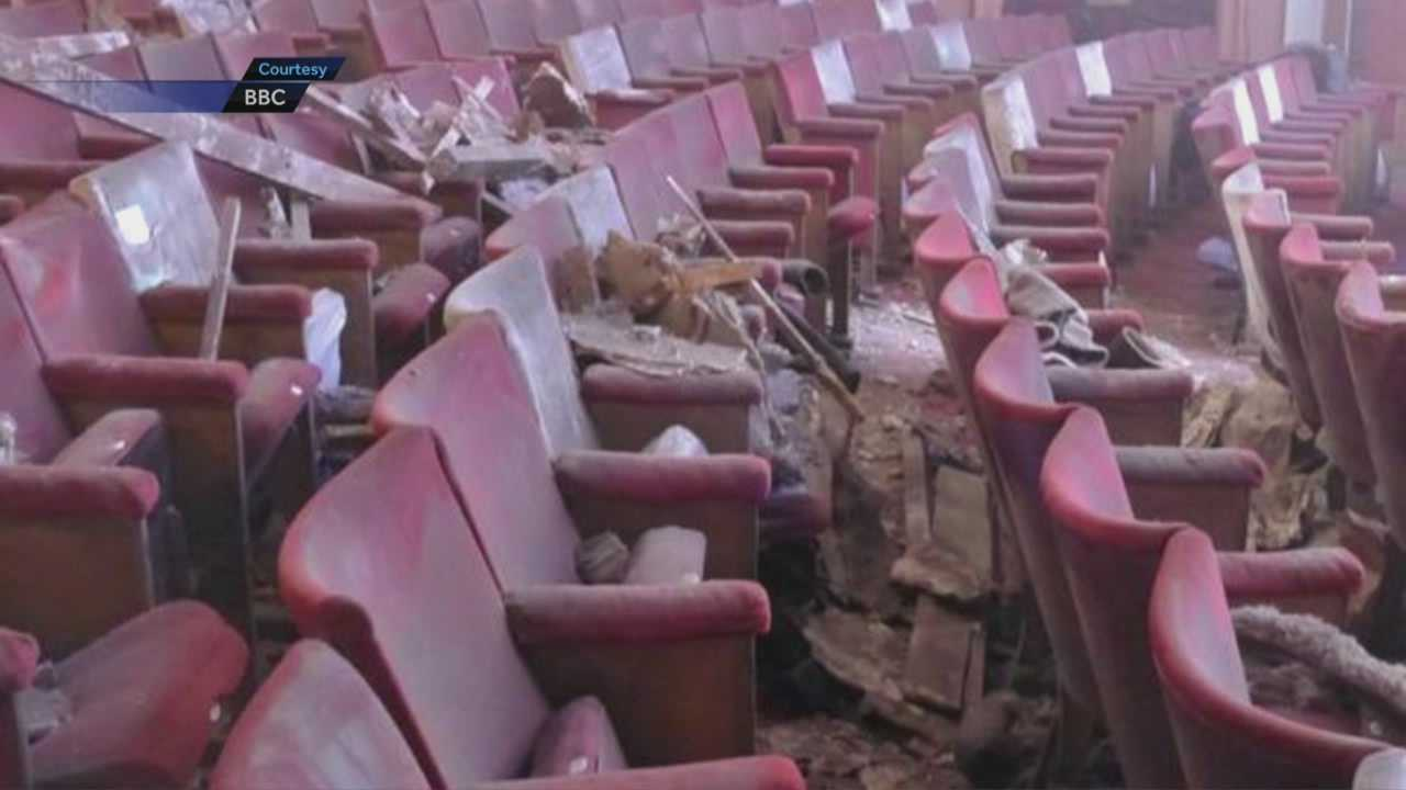 Structural probe after London theater collapse
