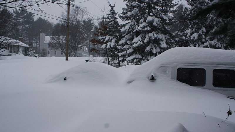 800px-Winter_Blizzard_2013_,Billerica_MA.jpg