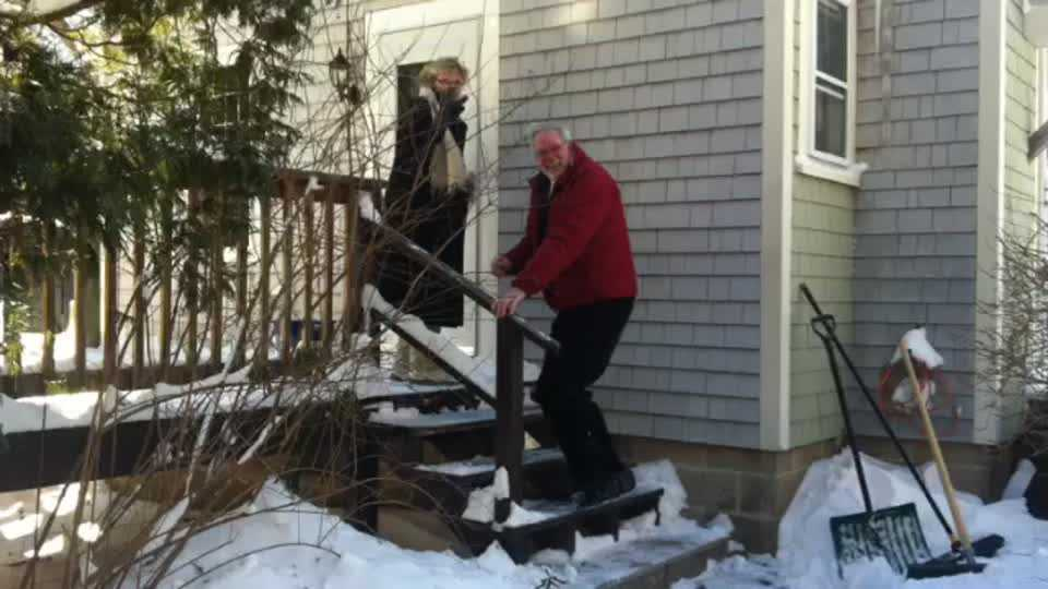 Duxbury Neighbors To The Rescue