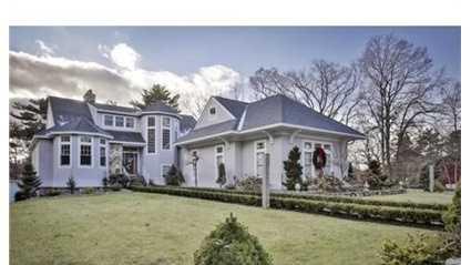 54 Oakridge Terrace is on the market in Lynnfield for $1.28 million.