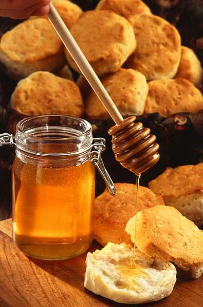 For a quick topical treatment, dab a bit of raw honey on a pimple.
